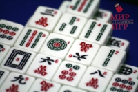 Настольная игра Маджонг пластик в шкатулке (Mah Jongg Philos 3166)